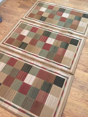 3 rugs 2 x 3 for Sale in Everett, WA