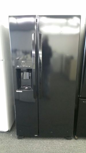 LG BLACK SIDE BY SIDE REFRIGERATOR for Sale in Cleveland, OH