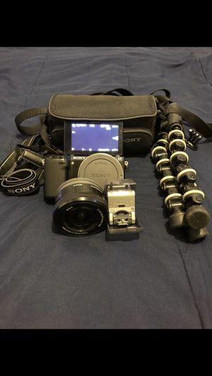 Sony Nex 5R Camera Great condition for Sale in Center Line, MI