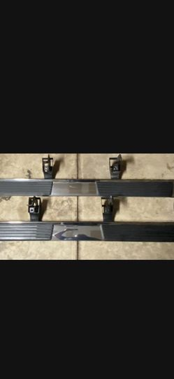 2020 oem Gmc 1500 Side Steps (Bolts Included) for Sale in San Antonio,  TX