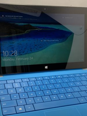 Microsoft Surface Pro (Windows 10) for Sale in Fresno, CA