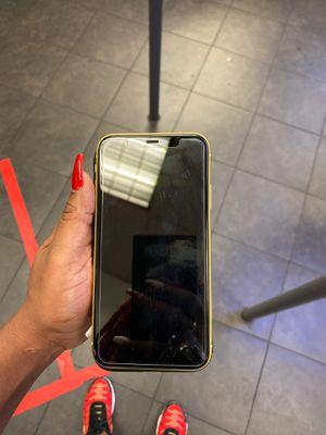 iPhone 11 64g for Sale in Atlanta, GA