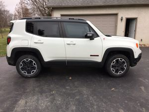 2015 Jeep Renegade Trailhawk. Only 32100 miles fully equipped including Bluetooth rear view camera etc. excellent condition for Sale in Delaware, OH