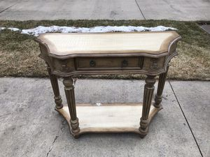 Decorative table for Sale in Bend, OR
