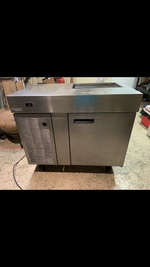 Refrigerator on bottom freezer rail on top works great for Sale in Cypress, TX