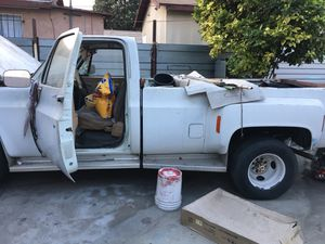 Truck for Sale in Huntington Park, CA