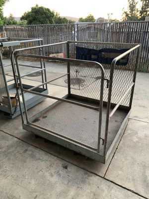 FORKLIFT SAFETY MAN CAGE / MAN LIFT - SAN MARCOS, CA for Sale in San Marcos, CA