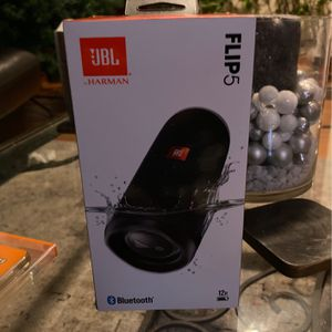 JBL FLIP 5 for Sale in Minneapolis, MN