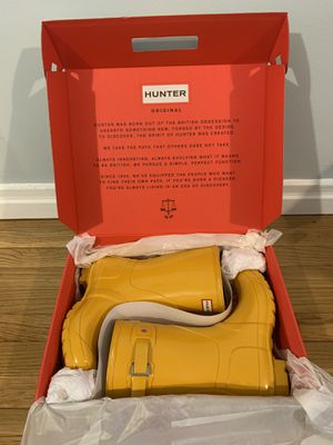 Ladies HUNTER rain boots NEW WITH TAGS for Sale in Queens, NY