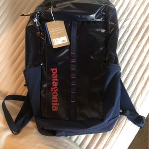 Patagonia - Black Hole Backpack 25L - Classic Navy for Sale in Dana Point, CA