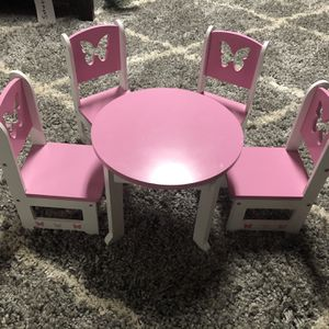 Doll Table And Chairs for Sale in Chicago, IL