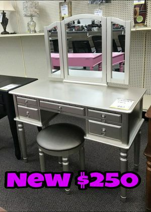 NEW💥VANITY SET💥IN STOCK💥SAME DAY DELIVERY OR PICK UP💥💥 for Sale in Los Angeles, CA