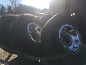 285/75/16 tires and rims for Sale in Luxemburg, WI