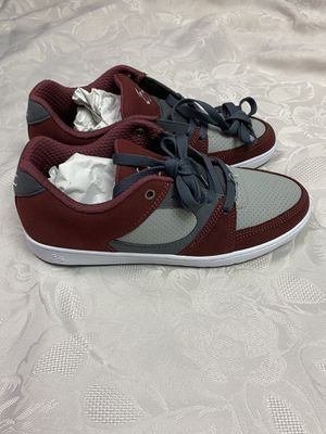 es accel slim red/grey size 8.5 for Sale in Los Angeles, CA