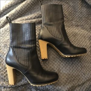 GUCCI BLACK Leather BOOTS size 37/7 $250. EDITH CUIR LUXOR Original Box. ELASTICIZED ANKLE BOOTS for Sale in Seymour, CT