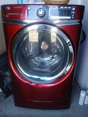 Washer 700 obo come get it works great no issue's for Sale in Philadelphia, PA