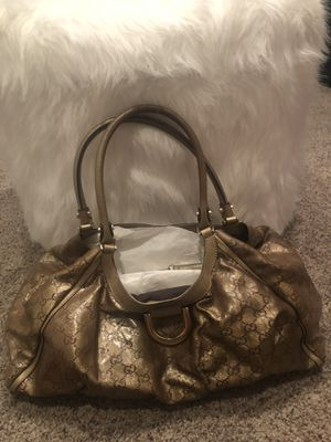 Authentic gorgeous Gucci bag w/ matching wallet for Sale in Las Vegas, NV