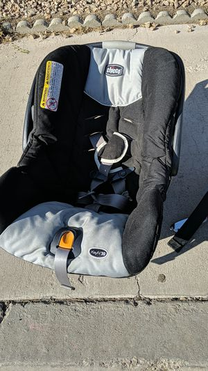 Chico keyfit30 carseat with base for Sale in Las Vegas, NV
