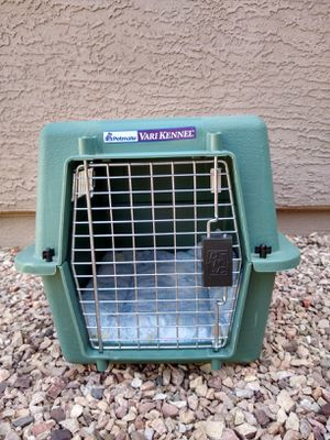 Small Petmate Vari kennel for Sale in Surprise, AZ