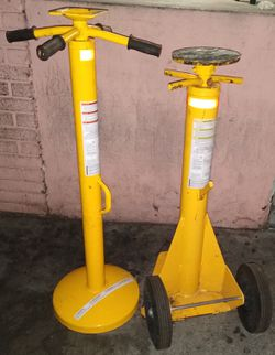 Pair of trailer stabilizing jack for Sale in Los Angeles,  CA