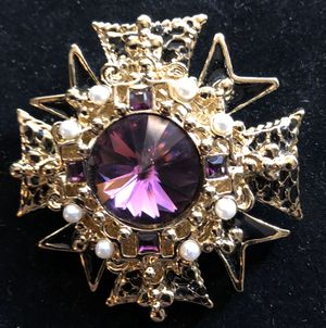 2 inch long pin brooch pendant signed - purple stones and faux pearls gold tone for Sale in Bothell, WA