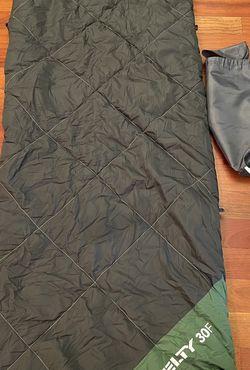Kelty 30 F Sleeping Bag Gray Green Fleece Lining for Sale in Fife,  WA