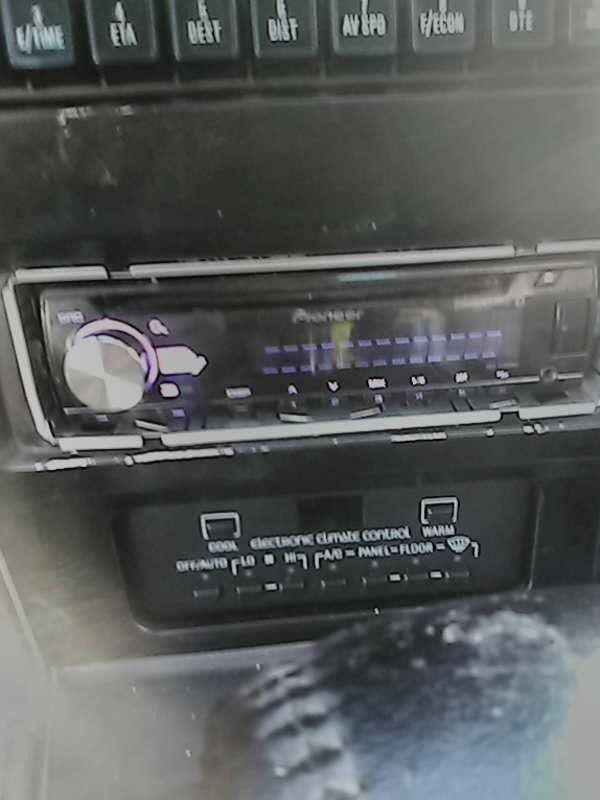 Bluetooth car stereo pioneer works good