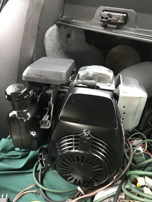 Honda GC160 series 5hp (4.6) 4 stroke easy start motor w/ horizontal output shaft/ comes with centrifugal clutch for Sale in Arlington, WA