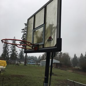 Adjustable Basketball Hoop for Sale in St. Helens, OR