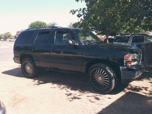 2002 GMC yukon for parts for Sale in Bakersfield, CA