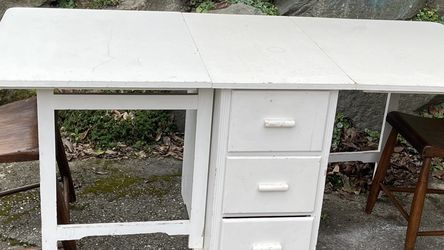 Vintage Cool Table W/Drawers And Collapsible Sides for Sale in Seattle,  WA