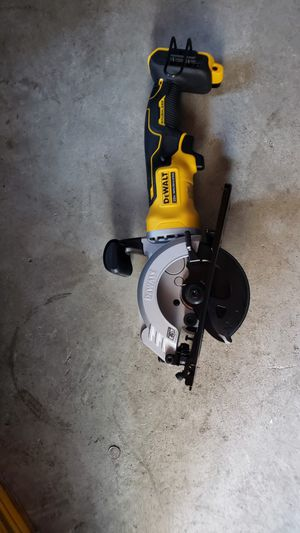 Dewalt 20v atómic circular saw brushless brand new for Sale in Long Beach, CA