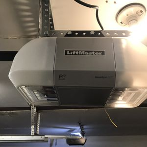 Lift Master With WiFi P3 Motor for Sale in Columbia Station, OH