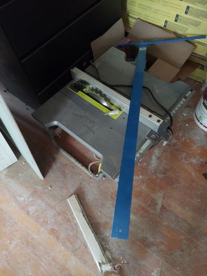 15 amp 10 inch Table saw MUST COME TODAY for Sale in GRND VW HUDSN, NY