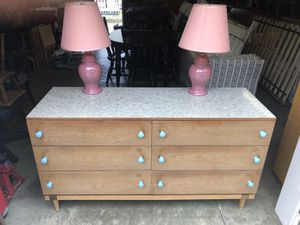Dresser with lamp for Sale in Newark, OH