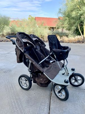 Valco baby double joggging stroller with jump seat/Joey seat for third for Sale in Phoenix, AZ