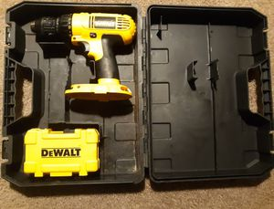 Dewalt drill with drill bits for Sale in Monroe Township, NJ