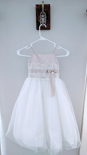 David's Bridal Flower Girl Dress Ivory/Champagne for Sale in Des Plaines, IL