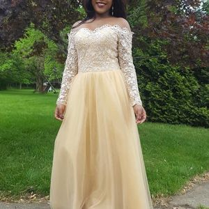 Prom Gown for Sale in Cleveland, OH