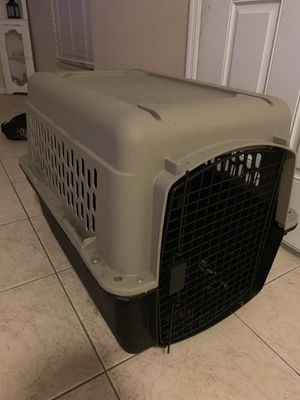 Dog crate for Sale in Fort Pierce, FL