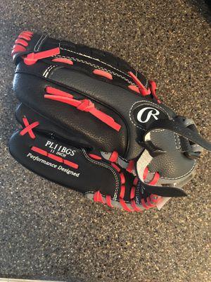 Boys Baseball Glove (left-hander) for Sale in O'Fallon, MO