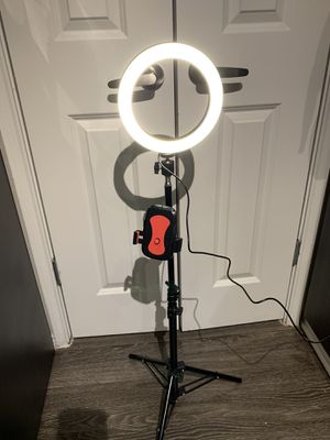 """8"""" Ring Light with Adjustable Tripod Stand Phone holder for Sale in Carrollton, TX"""