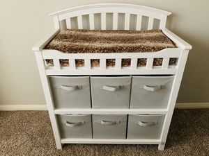 White changing table -set up, like new. for Sale in Webberville, TX