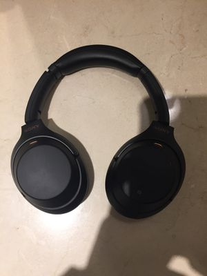 Sony wireless noise canceling headphones (WH-1000X M3) for Sale in Baltimore, MD