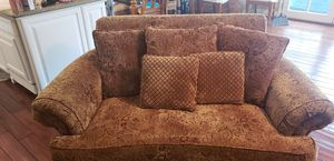 Love Seat with pillows for Sale in La Mesa, CA