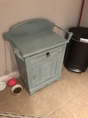 Accent table for kitchen or living room for Sale in Lake Wales, FL