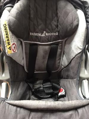 Baby Trend rear facing infant car seat for Sale in Albany, NY