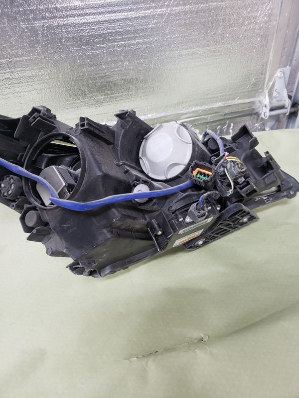2011 Infinity M37S parts headlight