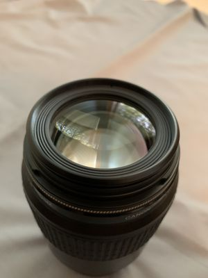 Canon EF 100mm f/2.8 Macro USM Fixed Lens for Canon SLR Cameras for Sale in Tuscaloosa, AL
