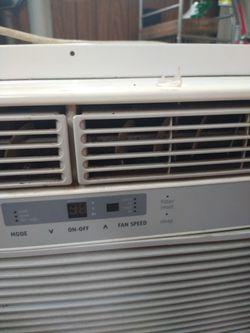 Frigidaire AC Unit for Sale in Burlington,  NC